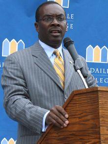 Mayor Byron at Medaille