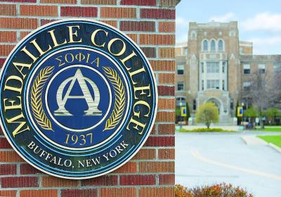 College seal w.MainBldg_IMG_4365 sm